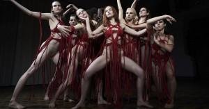 'Suspiria': Frygteligt frastødende – og dybt original