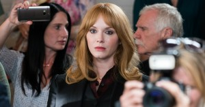 Christina Hendricks og Tim Roth brillerer i ny dramaserie – se 'Tin Star' på C More