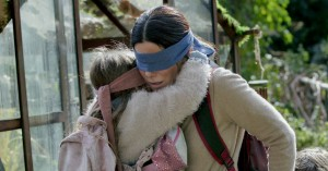 'Bird Box': Hvad vil Susanne Biers Netflix-monster egentlig?