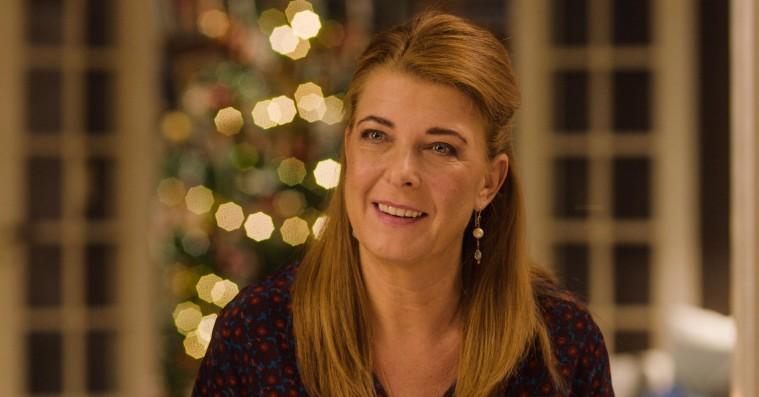 'Den tid på året': Skuespilensemblet er en fornøjelse i Paprika Steens julesatire