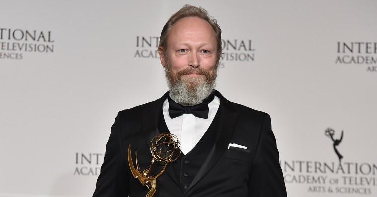 Lars Mikkelsen vinder en Emmy for 'Herrens veje'