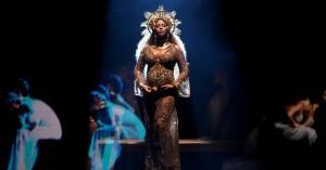 Fuld smæk på indisk bryllup, Beyoncé som musikalsk indslag – se video