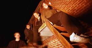 Modest annoncerer ep og forårskoncerter – hør den nye single 'Please Keep an Eye On Me'
