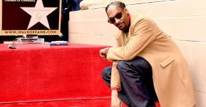 Snoop Dogg får Hollywood-stjerne og takker sig selv: »Snoop Dogg, you a bad motherfucker«