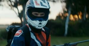»En kropslighed og nerve, der er sjældent set i dansk film« – se 'Brakland' på Blockbuster nu