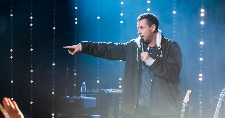 'Adam Sandler: 100% Fresh': Man kan kun holde af selskabssangeren Sandler i nyt Netflix-show