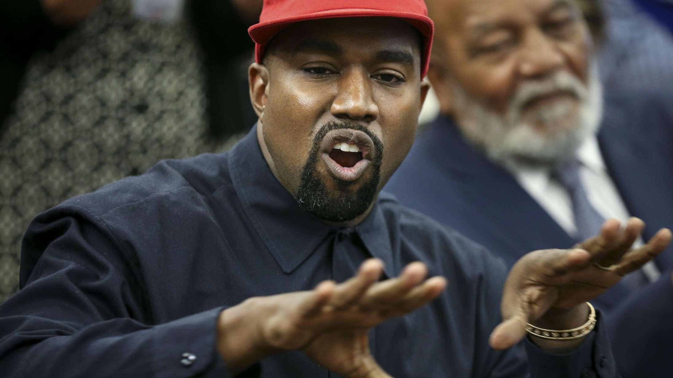 Kanye West fejrer meningsmåling med ny sang – hvorefter målingen viser sig at være falsk