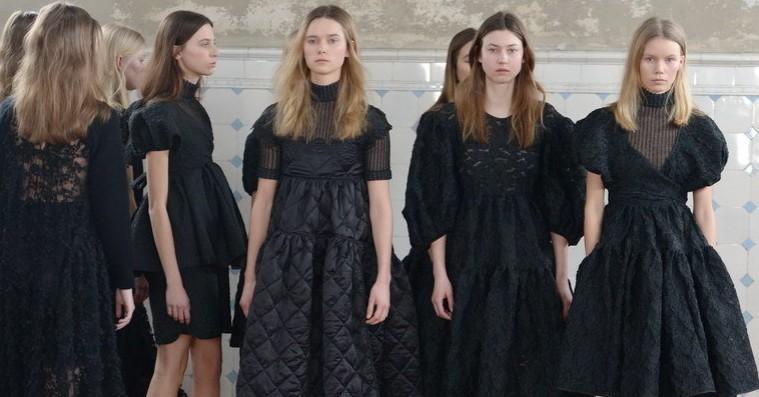 De bedste looks fra Copenhagen Fashion Weeks tredje og sidste dag – fra skarpe silhuetter til Gannis nye seriøsitet