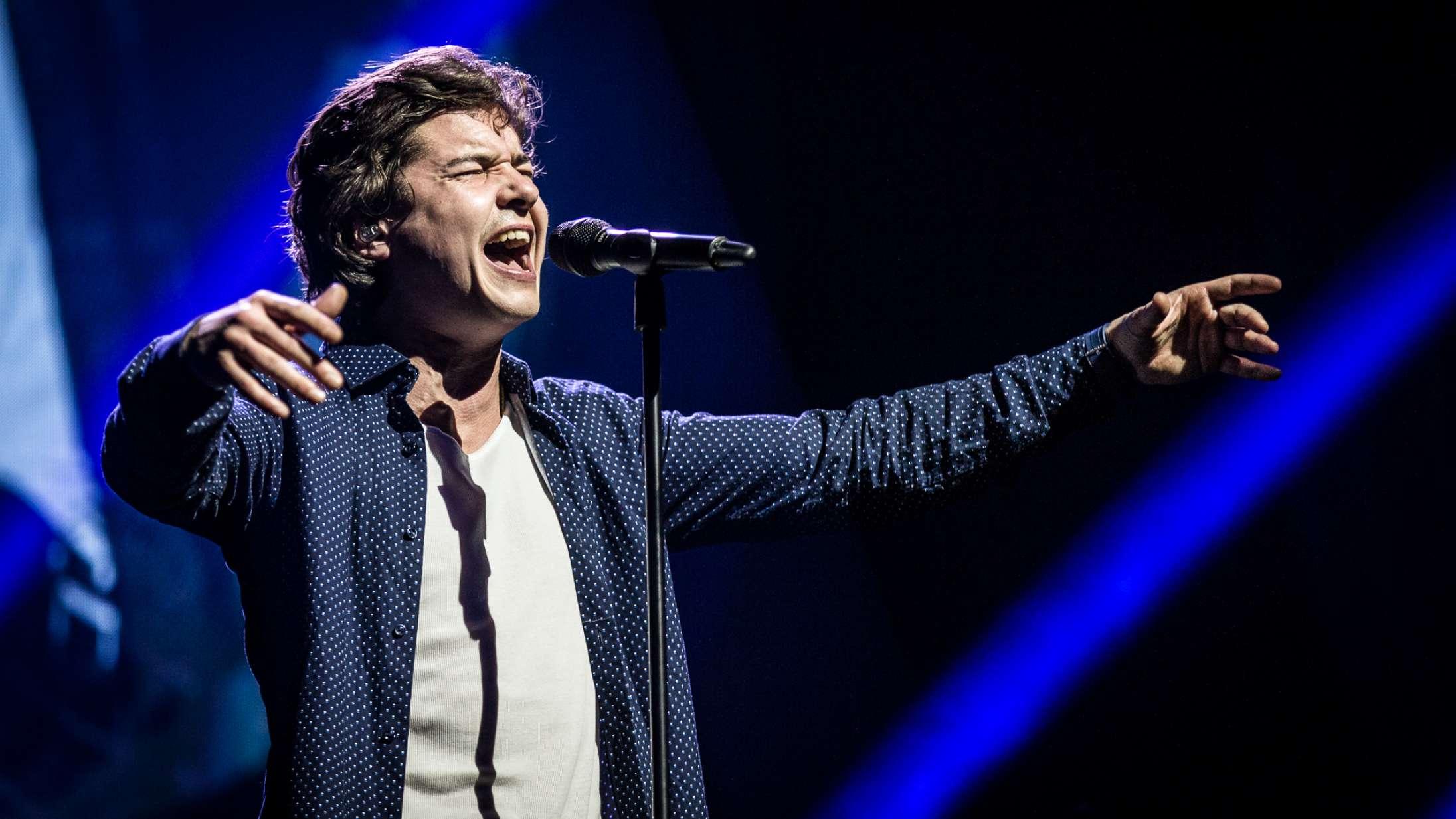 Lukas Graham krænger hjertet ud på ny duet med amerikansk countrysanger