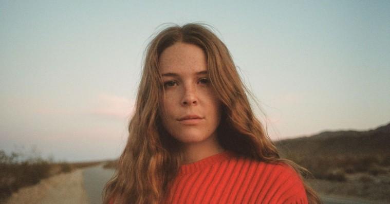 Maggie Rogers' popsange slår gnister på smukt og følsomt album