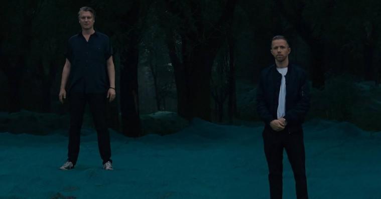 Blue Foundation lægger næsten alle spor af popmusik fra sig med 'Silent Dream'