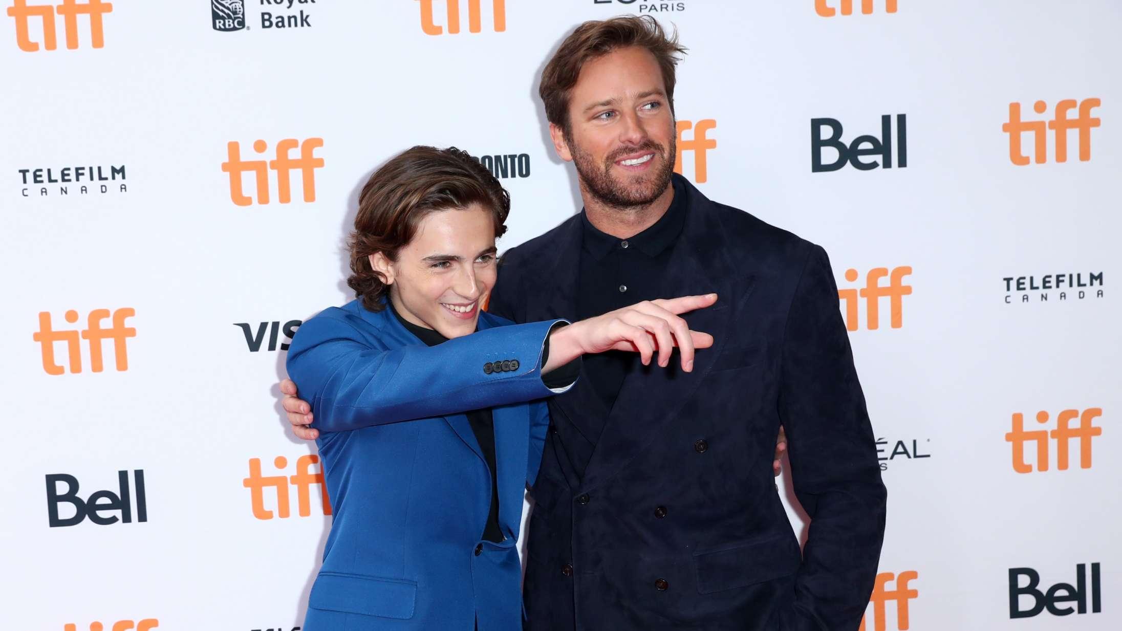 Timothée Chamalet og Armie Hammer genforenes i aktuel HBO-serie – men man skal kigge godt efter