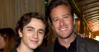 Armie Hammer ser scener fra 'Call Me by Your Name' – og charmer os totalt i gulvet