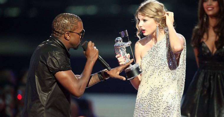 Den fulde 'Famous'-telefonsamtale mellem Kanye og Taylor Swift er lækket – Swift får genoprejsning
