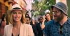 Seth Rogen og Charlize Theron er usandsynligt par i den romantiske komedie 'Long Shot' – se traileren