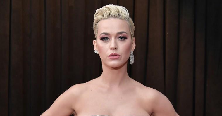 Blackface-anklager fortsætter – Katy Perry trækker sko tilbage