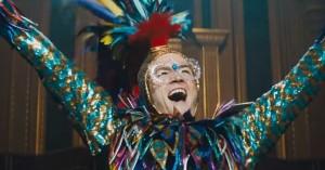 'Rocketman' er meget mere end en biopic: Fem gode grunde til at se den farverige film om Elton John