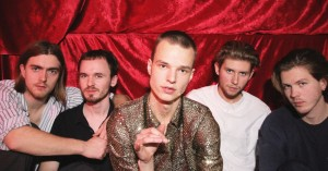 Ugens kulturguide: Gin-festival, PJ Harvey og Søn