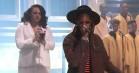 Se 2 Chainz i tåget kirkekoncert hos Jimmy Fallon – spiller 'Forgiven' med Marsha Ambrosius