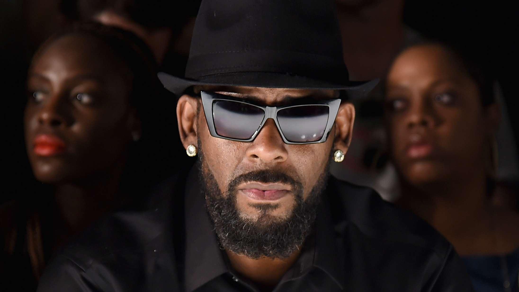 Drakes producer forklarer, hvorfor R. Kelly er krediteret på 'Certified Lover Boy'