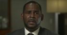 R. Kelly bryder tavshed og bryder sammen i nyt interview: »Jeg kæmper for mit fucking liv!«