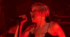 Roskilde-aktuelle Robyn indtager Colberts talkshow – se hende optræde med 'Ever Again'