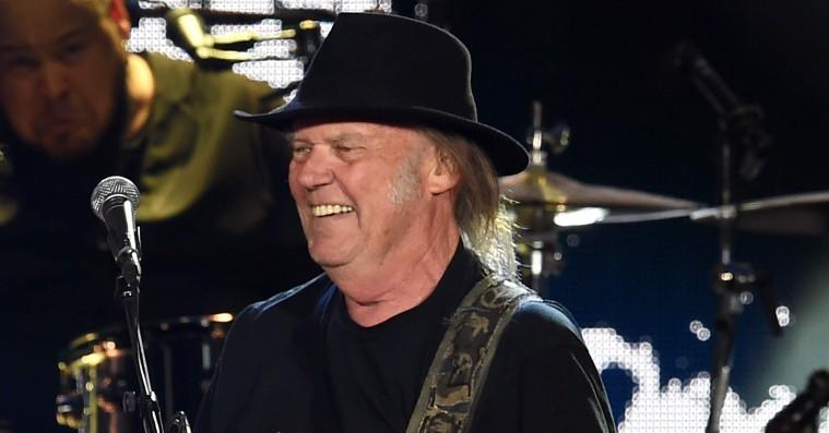 Neil Young spiller på Tinderbox