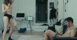 'Easy Love' på CPH:DOX: Der bliver kysset, knaldet, spanket, taget stoffer, grædt og undskyldt i ny sexantologi