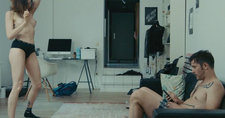'Easy Love': Der bliver kysset, knaldet, spanket, taget stoffer, grædt og undskyldt i ny sexantologi