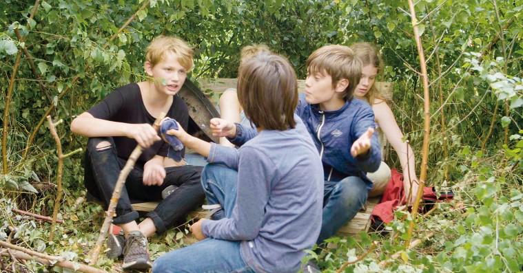 'Genopdagelsen': Hippie-pædagogisk eksperiment om børn i naturen bliver for tandløs