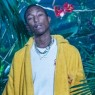Så lander Pharrell Williams' Chanel-kollektion – fokus på farverigt streetwear