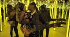 Se Cardi B give Offset en lap dance i musikvideoen til 'Clout'