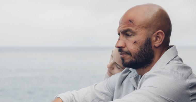 Manden bag aktuelle 'Til vi falder': »Ønsket om at komme videre er måske et større tabu end sorgen«