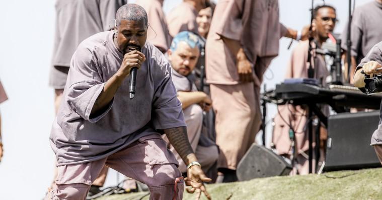 Kanye West deler Sunday Service-album 'Jesus Is Born'
