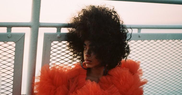 Kelsey Lu krydser problemfrit et utal af genrer på debutalbummet 'Blood'