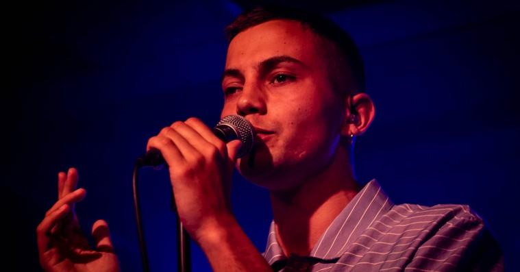 Elias Boussnina sang som en drøm i Lille Vega