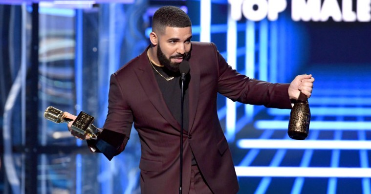 Se Drakes shout-out til Arya Stark under nattens Billboard Music Awards