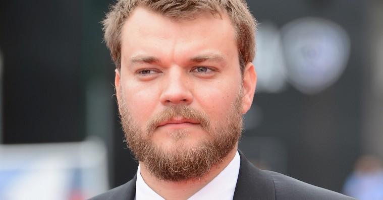 Unge danske skuespillere støtter op om afviste asylbørns vilkår – se videoen her