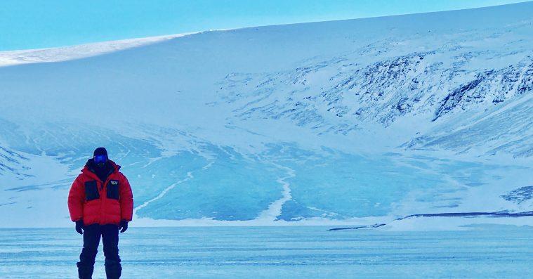 'Ice on Fire': Leonardo DiCaprios foruroligende klimadokumentar tænder et lille lys af håb