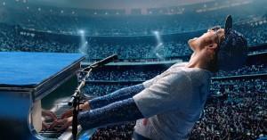 Elton John er 'Rocketman': Kom bag den flamboyante facade på en levende legende
