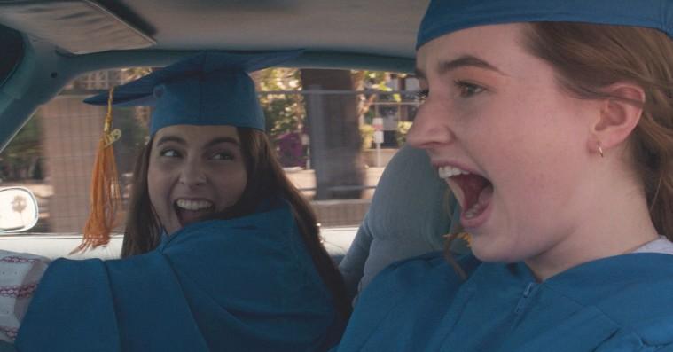 'Booksmart': Hypet highschoolkomedie er drøncharmerende, sjov og rørende