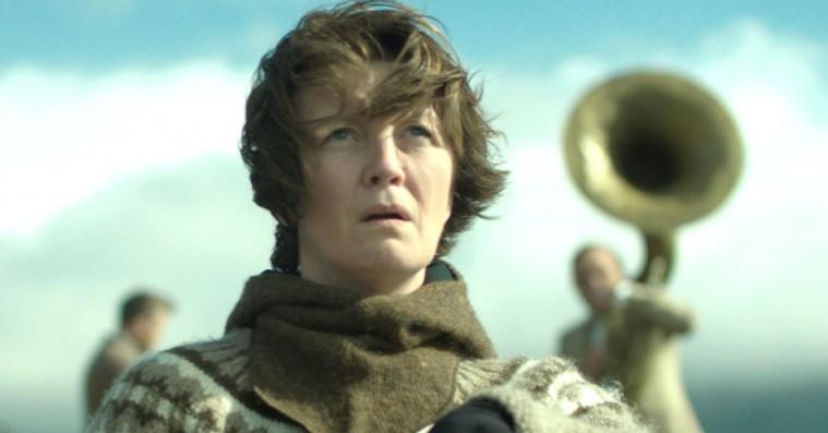 'Kvinde på krigsstien': Islandsk økothriller med eventyragtige actionscener er nervepirrende