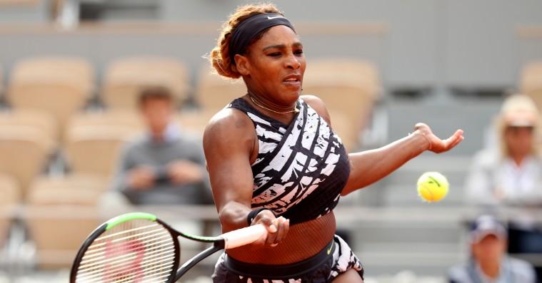 Serena Williams blæser igen på French Open-reglerne i nyt Virgil Abloh-outfit