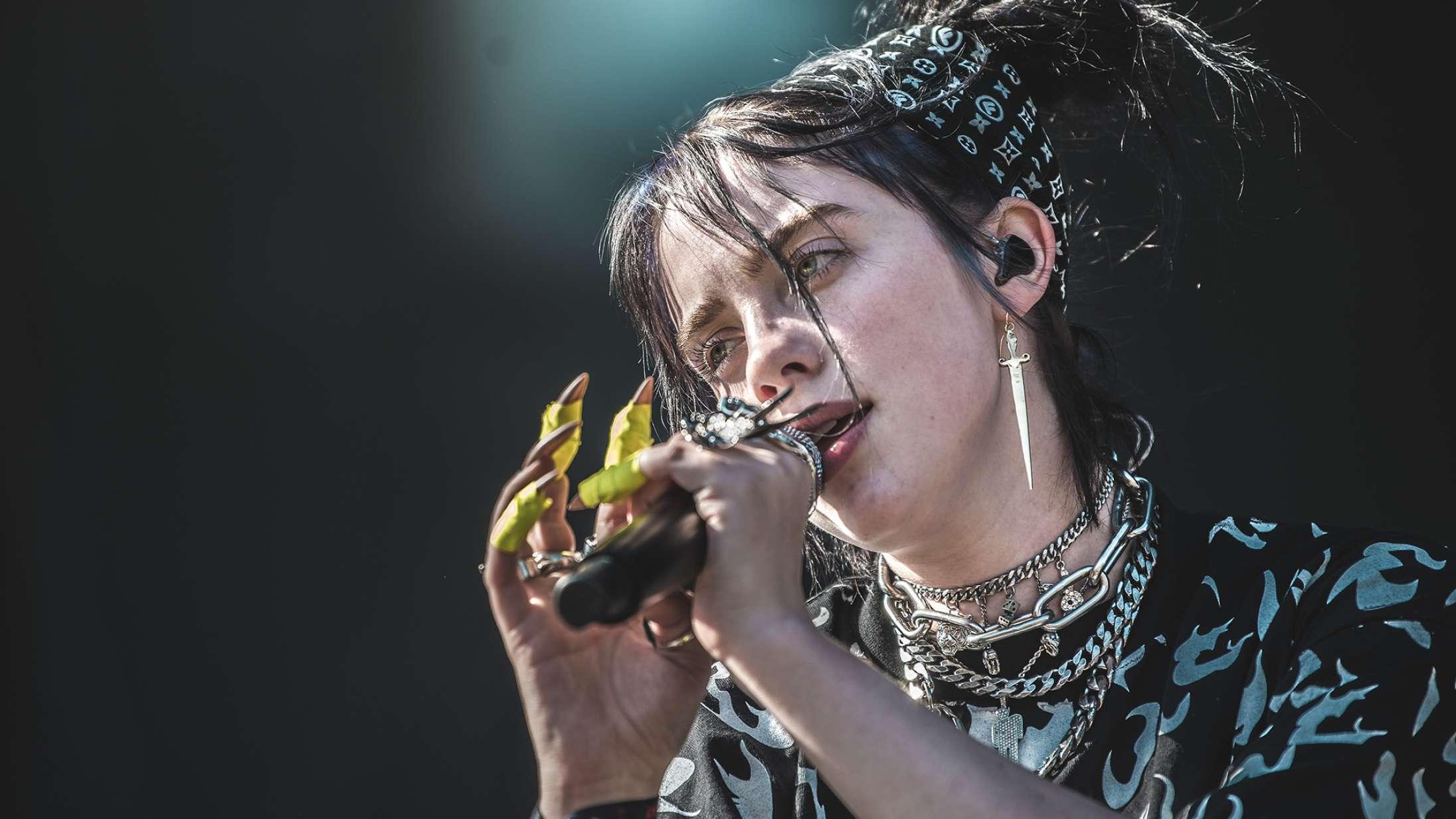 Billie Eilish tæmmede Tinderbox med døsig vokal og rowdy attitude