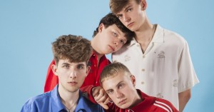 Hold øje med Høker: Fire gymnasieelever, der har født et genrefusionerende bastardbarn