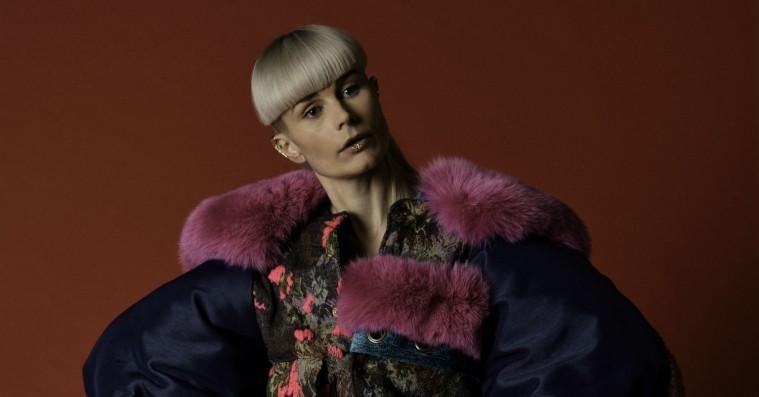 Track-by-track: Kill J gennemgår sit debutalbum, der handler om kærlighed og kvantefysik