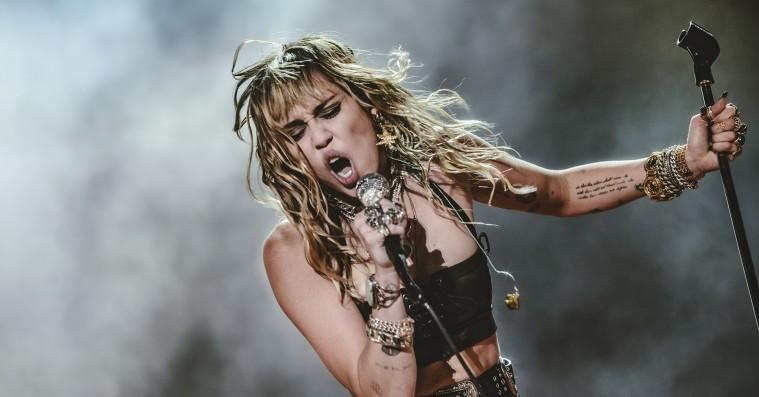 Miley Cyrus indgår forlig i copyright-søgsmål på to milliarder kroner