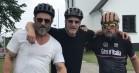 Woody Harrelson er i Danmark – cykler og drikker gammel dansk med Roland Møller