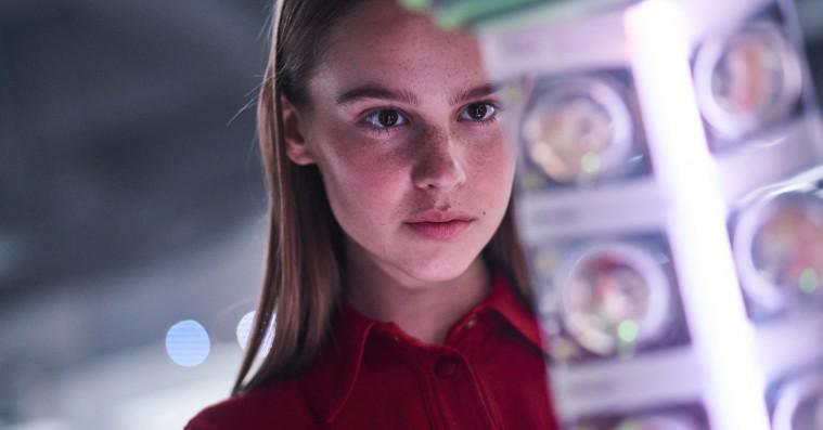 'I Am Mother': Danske Clara Rugaard overbeviser i sci-fi-film på Netflix
