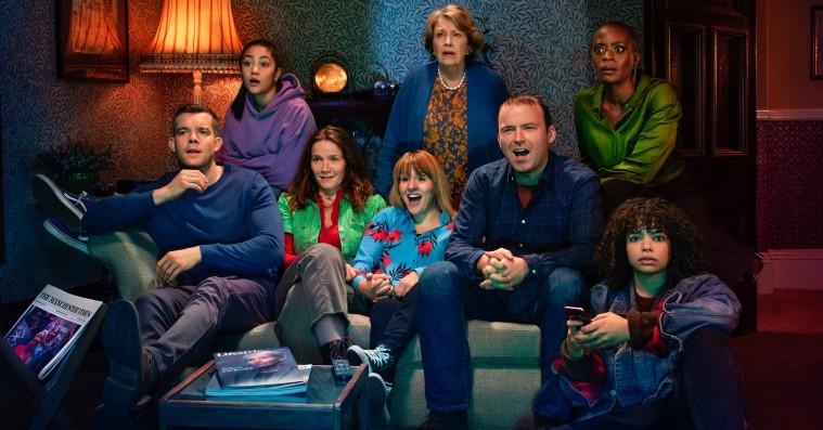 'Years and Years': Dystopisk miniserie på HBO Nordic er smuk, sjov, underholdende og uhyggelig